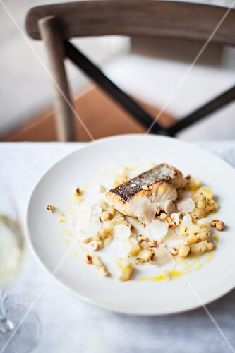 Hake with artichokes