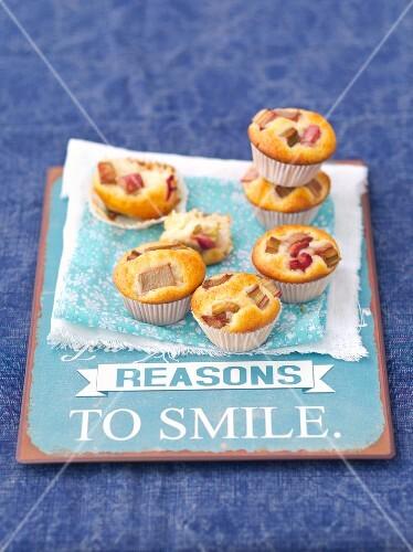 Rhubarb and vanilla muffins