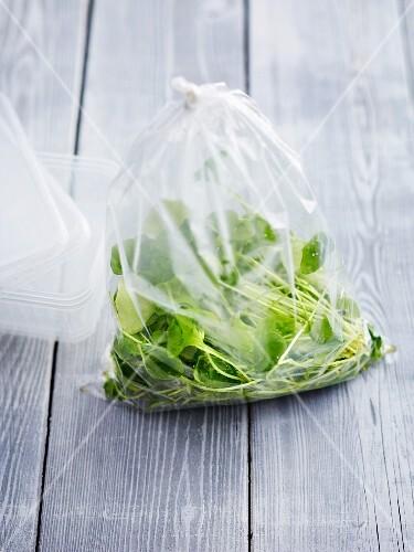 Purslane in a plastic bag