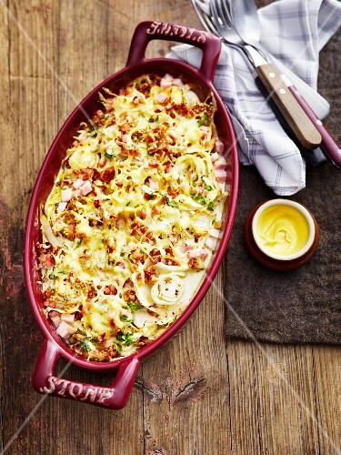 Chicory gratin with a mustard sauce