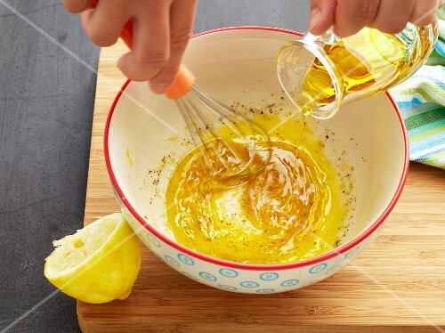 Making lemon sauce
