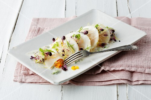 Celeriac ravioli filled with vegetables and bean sprouts