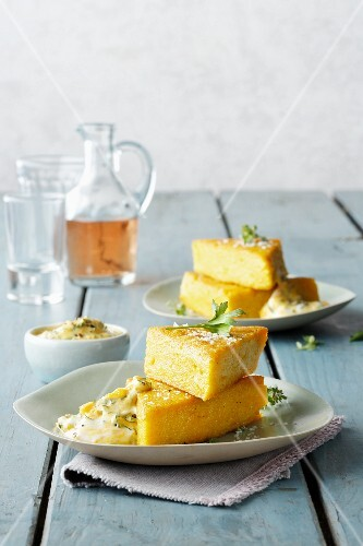 Spicy polenta corners with a mayonnaise dip