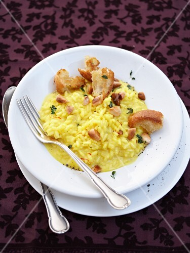 Saffron risotto with roasted almonds