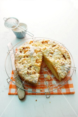 Apricots crumble cake, sliced