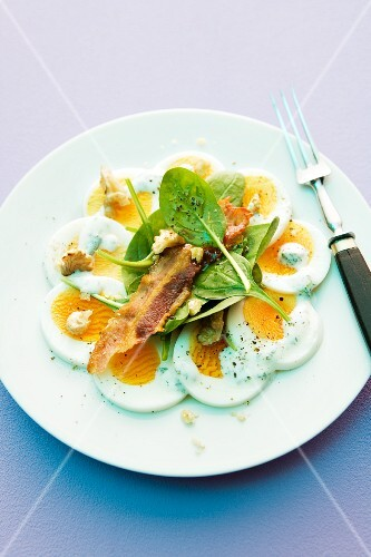 Egg carpaccio with spinach