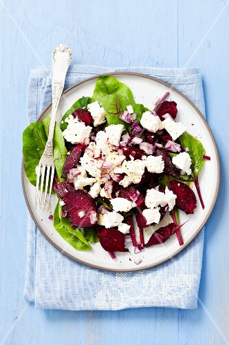 Beetroot salad with feta and red onions