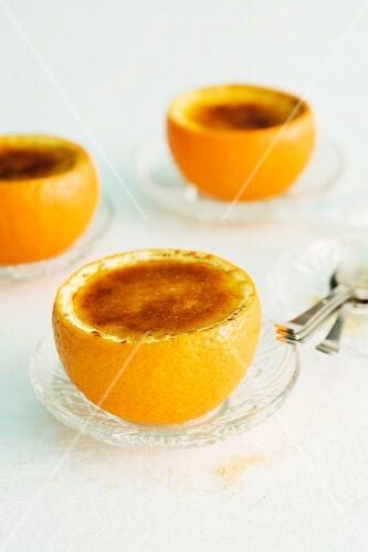 Gratinated orange and yogurt cream