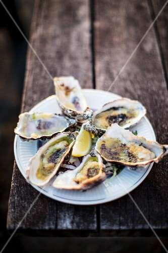 Grilled oysters with Parmesan and garlic