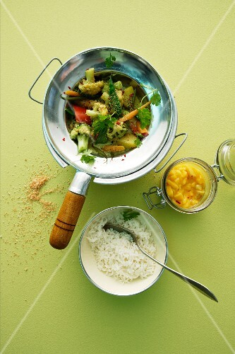 Vegetable and coconut curry with rice