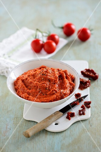 A tomato dip made from fresh and dried tomatoes