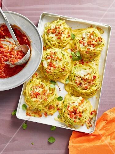 Spaghetti nests with tomato sauce