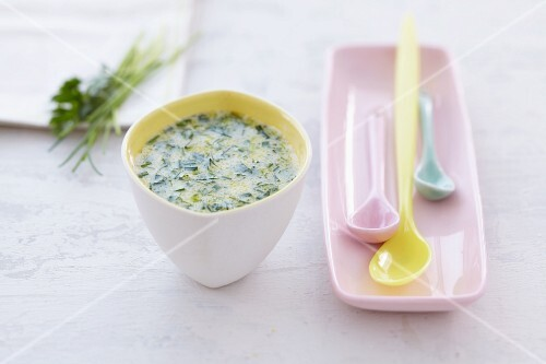 Buttermilk dressing with herbs