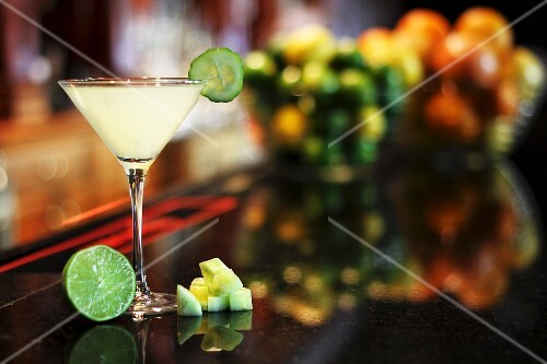 Cucumber Martini with lime