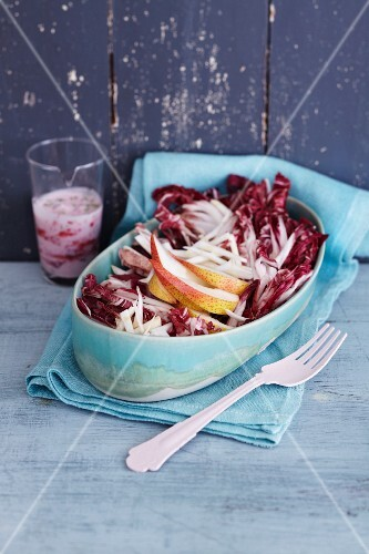 Radicchio salad with pear wedges