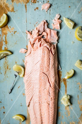 Poached salmon with lemons