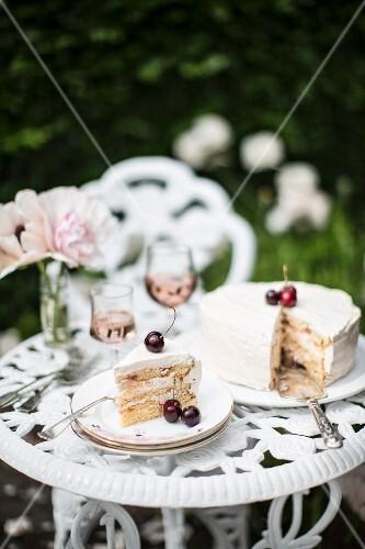 Cherry cake and rosé wine