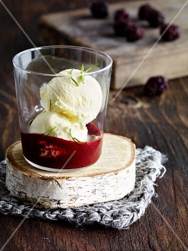 Whiskey ice cream with blackberry sauce