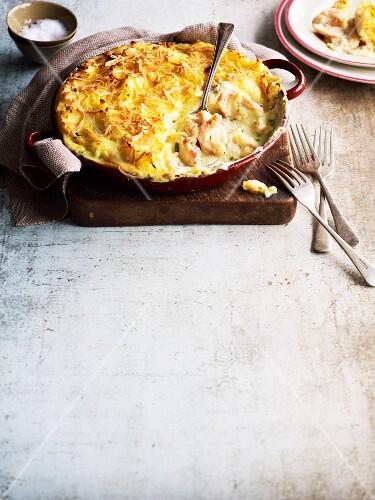 Smoked fish and prawn pie (England)