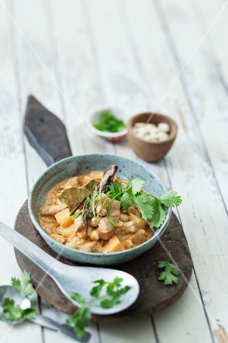 Massaman curry with beef and potatoes (Thailand)