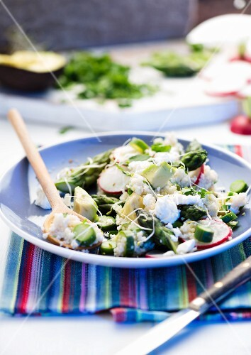 Couscous salad with feta, radishes and asparagus