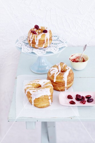 Croissant-Doughnuts with jam and icing sugar