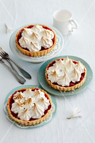Rhubarb tartlets topped with meringue