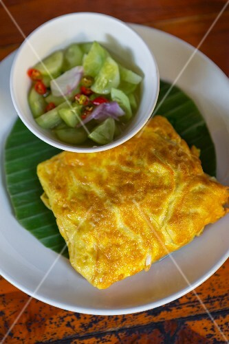 Omelette with pickled cucumber (Thailand)