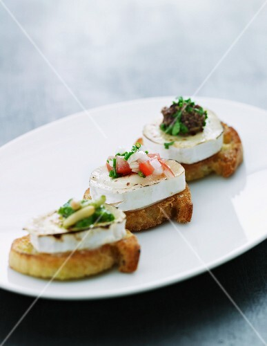Goat's cheese crostini