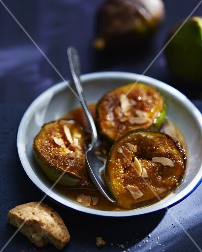 Figs with honey and almonds