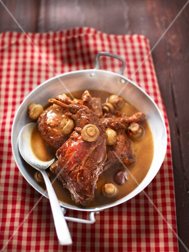 Hare ragout with mushrooms