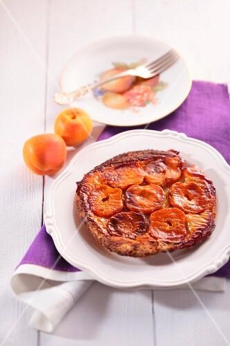 Apricot tarte tatin