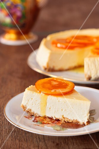 Cheesecake with oranges served with tea