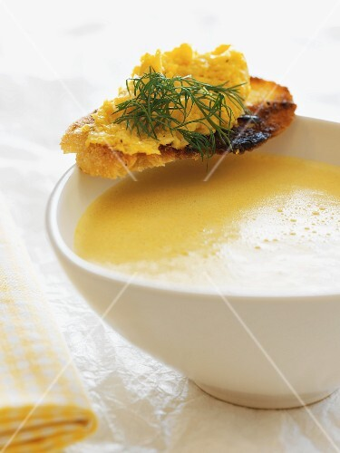 Cream of sweetcorn soup with a scrambled egg crostino