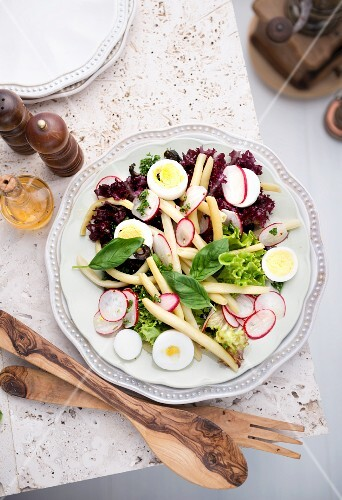 Bean salad with radishes and egg