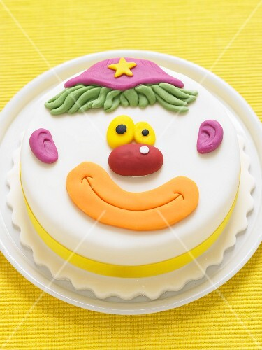 A clown cake