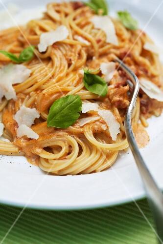 Spaghetti Aurora (spaghetti with creamy tomato sauce)
