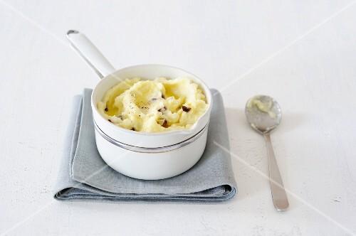 Mashed potato with olives