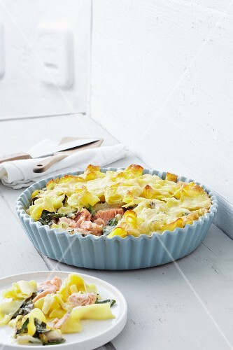 Pasta bake with salmon and chard