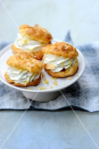 Spicy profiteroles filled with a Gorgonzola and lemon cream