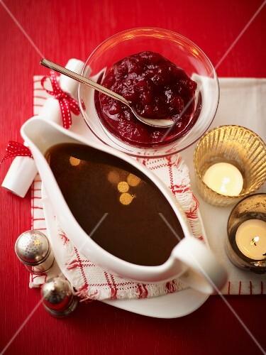 Gravy and cranberry sauce