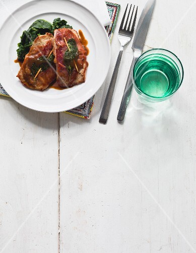 Saltimbocca with spinach