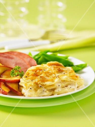 Potato gratin with roast gammon