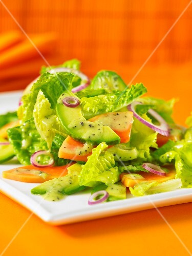 Cos lettuce with papaya and avocado