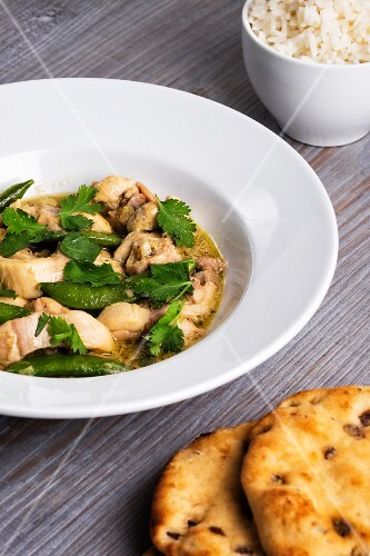 Green curry with chicken and beans (Thailand)