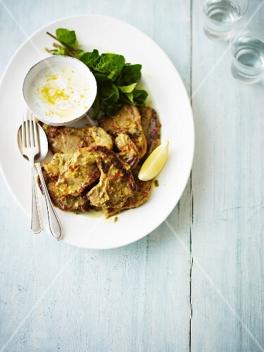 Marinated lamb chops with peppermint and yoghurt sauce