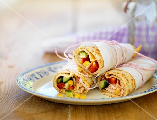 Pancakes filled with chicken and vegetables