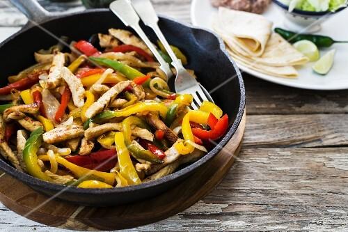 Chicken fajita with peppers