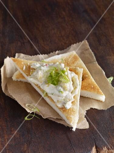 Tramezzini with exotic cream cheese