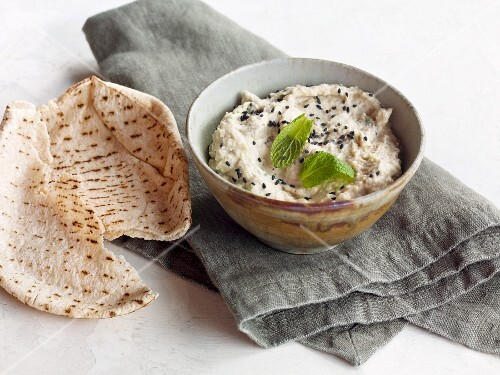 Tahini paste with aubergine